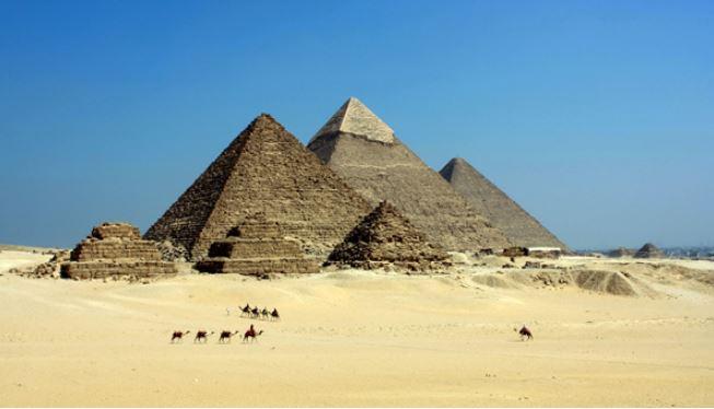 pyramids-giza