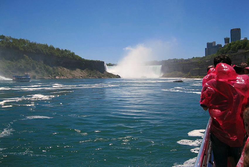 Horseshoe Falls viewed from an approaching Hornblower Niagara Cruise boat