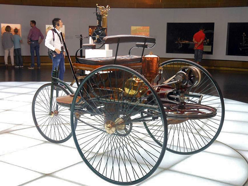 early car on display at the Mercedes Benz Museum