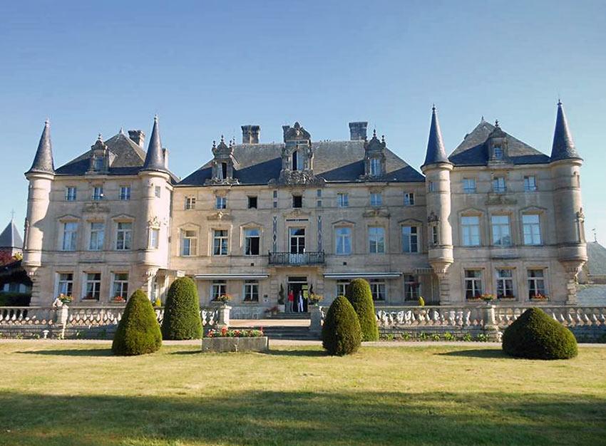 Chateau de Monthlairons Hotel