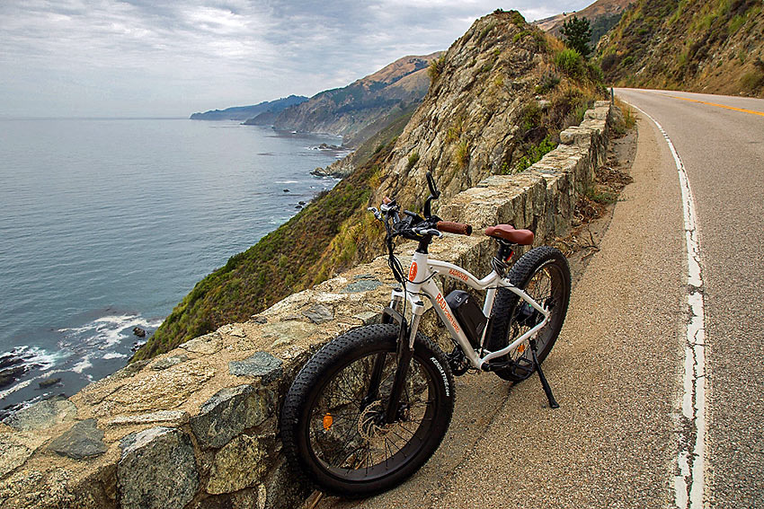 bike from Big Sur Adventures parked by Pacific Coast Highway