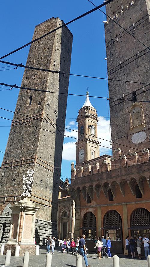 Garisenda & Asinelli Towers, Bologna