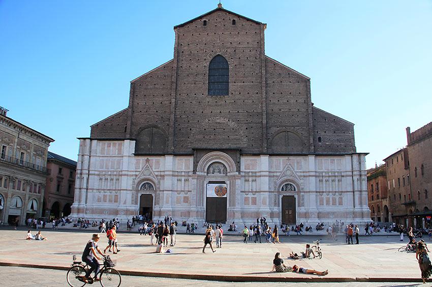 the Basilica di Santo Stefano