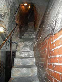 dark entryway of the Duomo de Milano