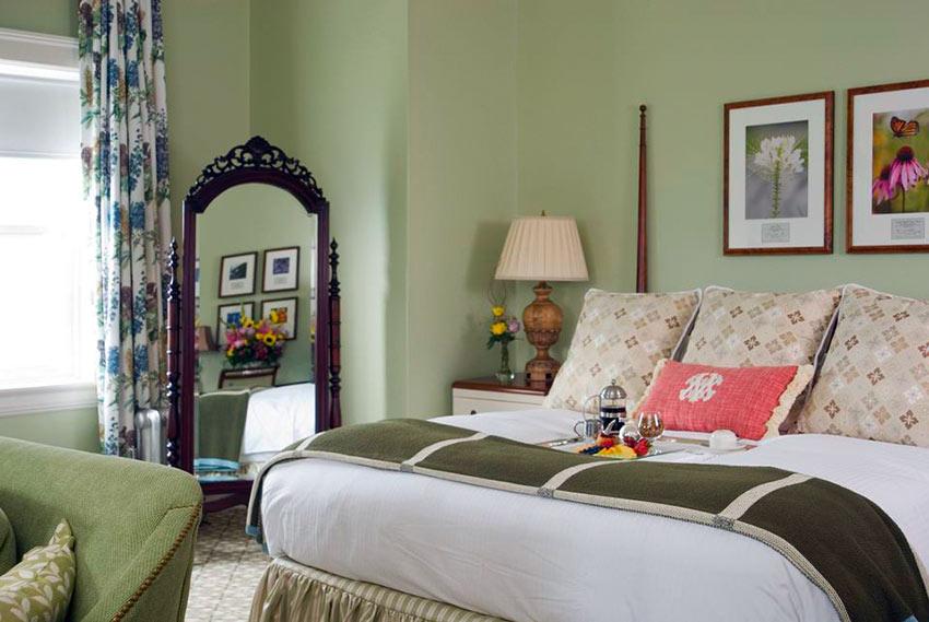 suite at Omni Mount Washington Resort, New Hampshire