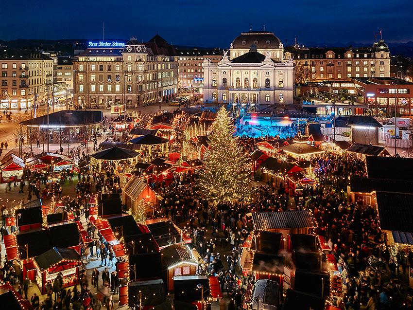 the Christmas market at Secheläutenplatz