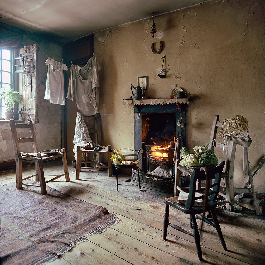 Dickensian attic showing squalid lig arrangement pictures 19th century life for renters