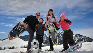 Sun Valley snowshoe family