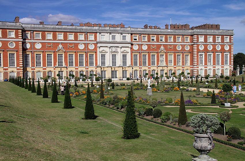 garden at Hampton Court Palace