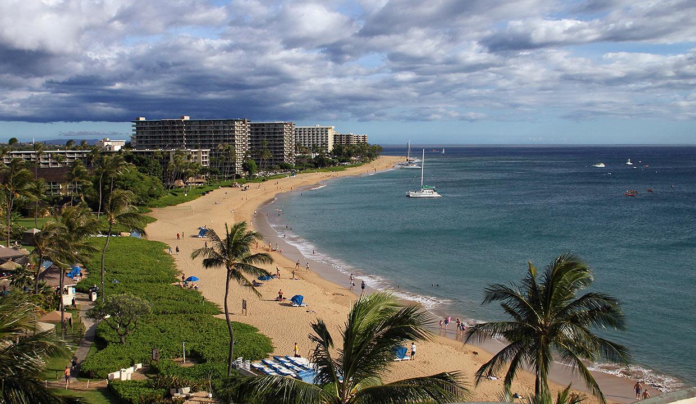 the three-mile stretch of Ka'anapali Beach
