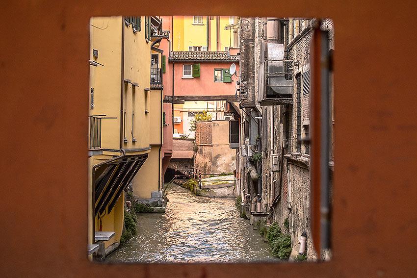 the small window in Via Piella, Bologna