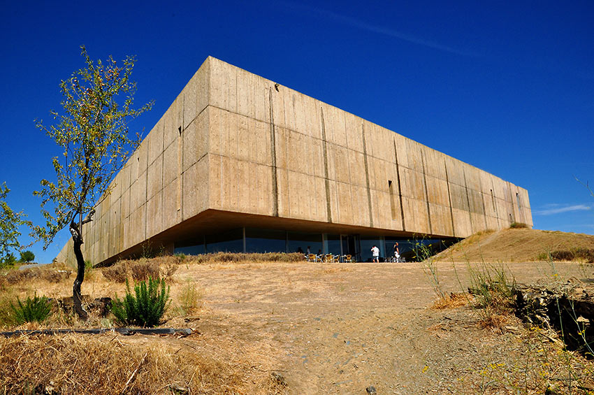 the Museum of Art and Archeology at the confluence of the Douro and Coa rivers