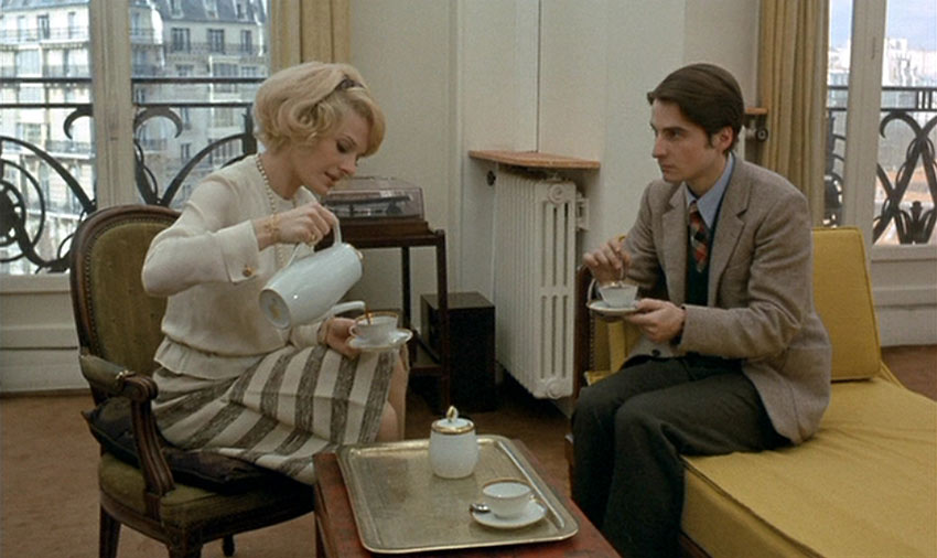 Delphine Seyrig and Jean Pierre Léaud in Stolen Kisses