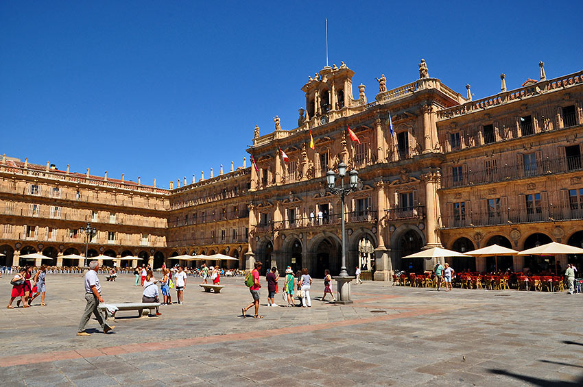 Salamanca's 18th-century Plaza Mayor