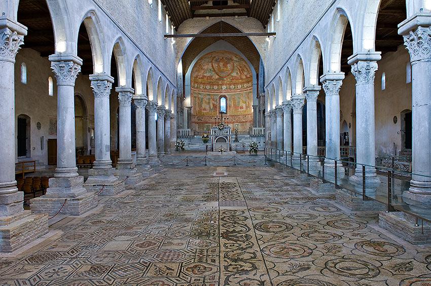 mosaics in Basilica di Santa Maria Assunta