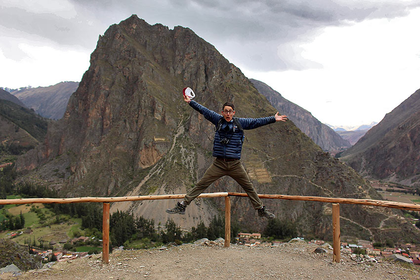 author jumping