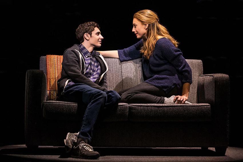 Ben Levi Ross as Evan Hansen and Jessica Phillips as his mother Heidi
