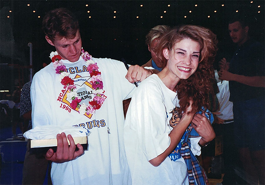 Dan Landry signing sister Michelle's t-shirt at the 1993 NCAA Men's Volleyball Finals