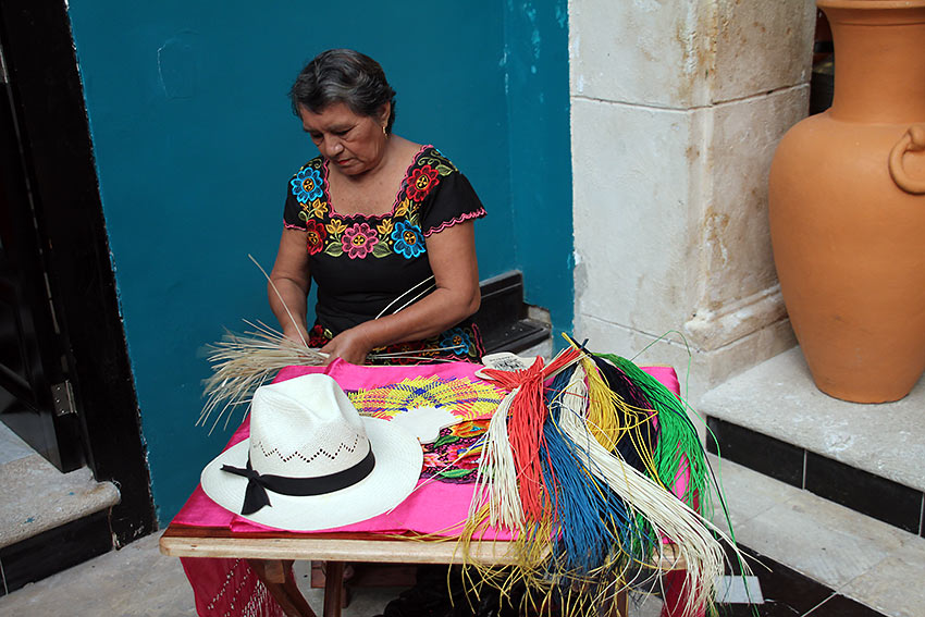 local handicraft-making at Campeche