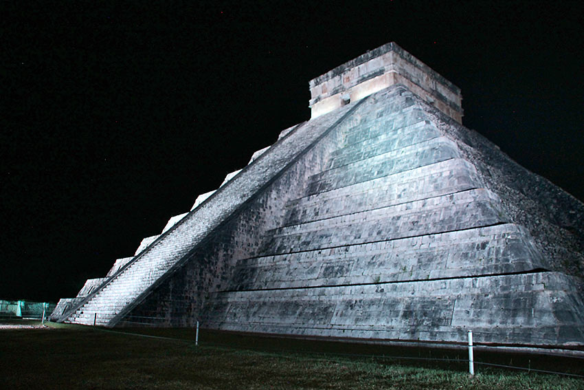 the El Castillo pyramid at Chichen Itza