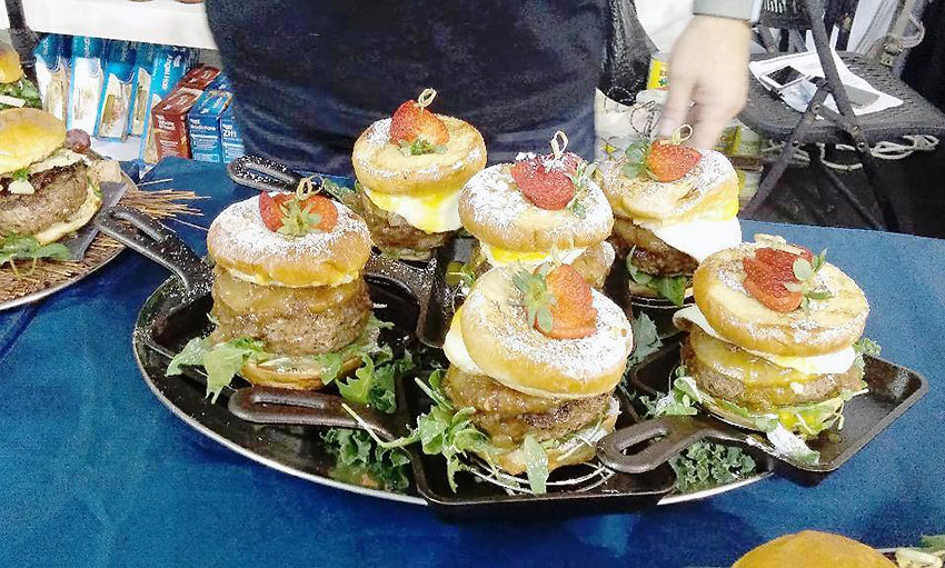 burgers at the 2018 International World Food Championships