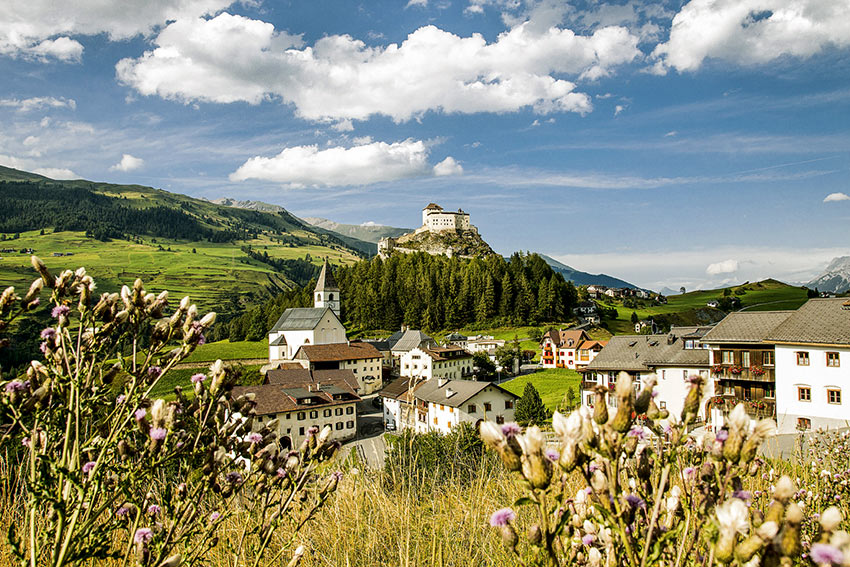 Scuol, between the Silvretta range and the Engadin Dolomites