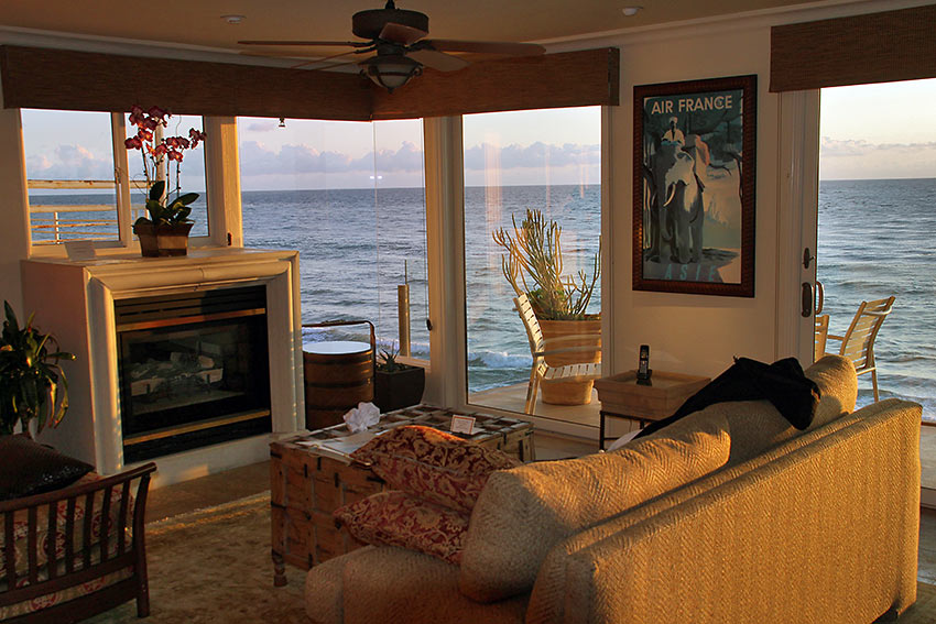 one of the suites at Sunset Cove Villas overlooking the ocean
