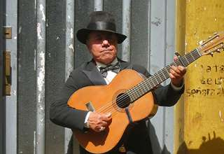 guitar player, Buenos Aires