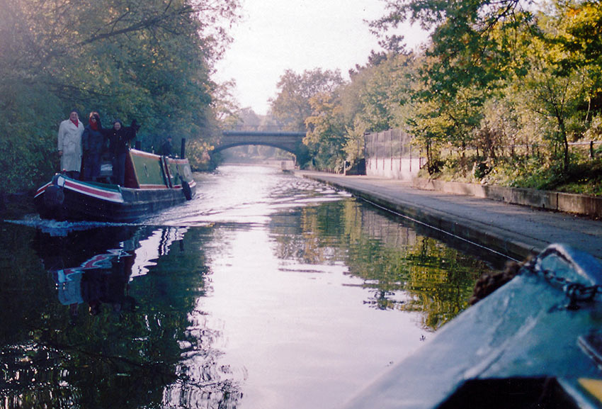 cruising the Regent's Canal, London, with Jason's Trip