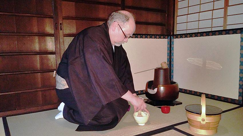 tea master at ceremony