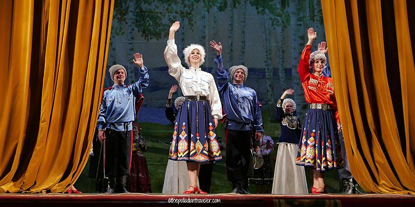 curtain closes on folk show