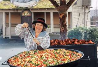 cooking with the Succotash skillet, Silver Dollar City
