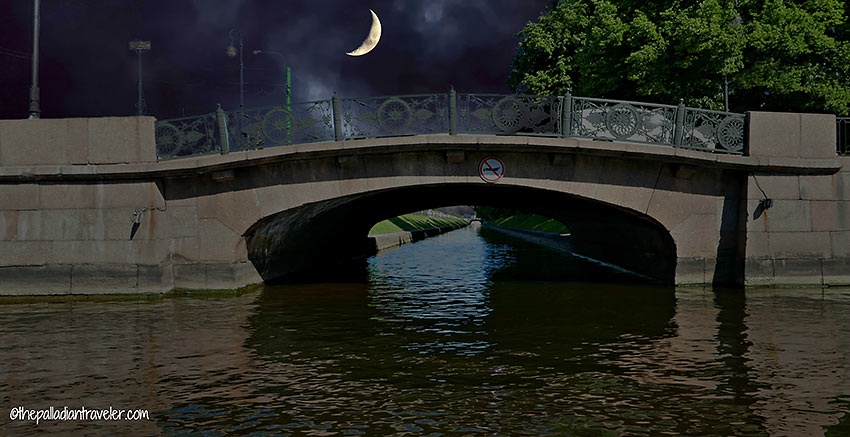 bridge over the Moika River at night