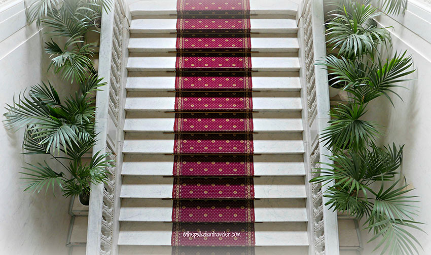 stairs leading to the second floor of the Yusupov Palace