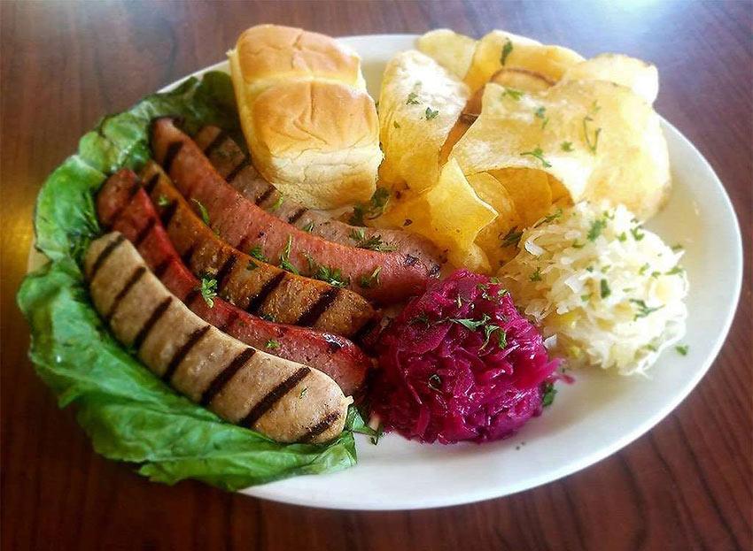 Wisconsin: Bratwurst