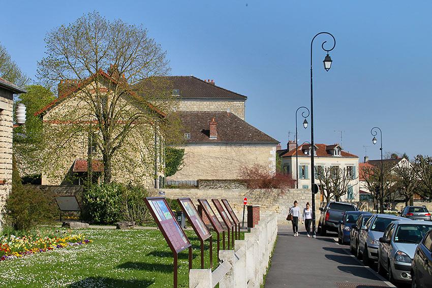 Auver Village