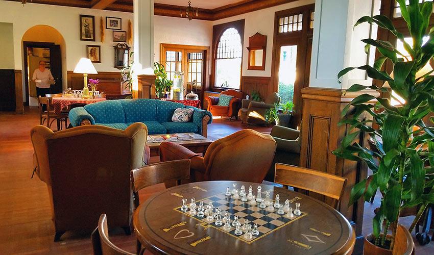 Winnedumah Hotel lobby