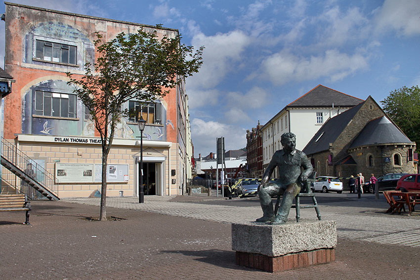 Dylan Thomas' statue at the Maritime Cultural Quarter. Swansea