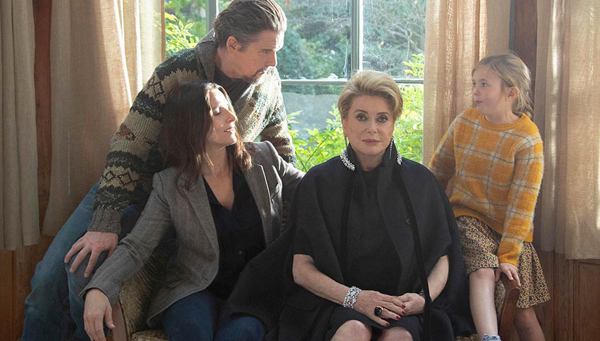 Fabienne (Catherine Deneuve) and her family