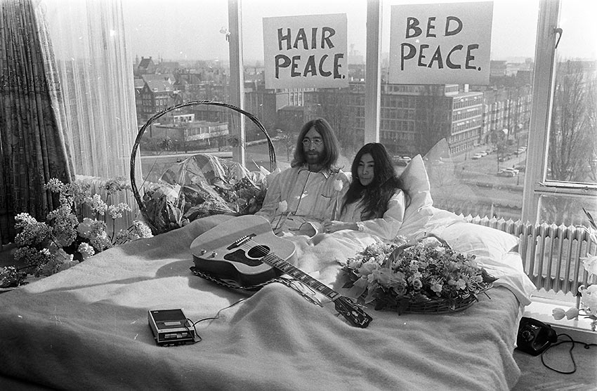 John Lennon and Yoko Ono in 1969's Bed-in for Peace in Montréal