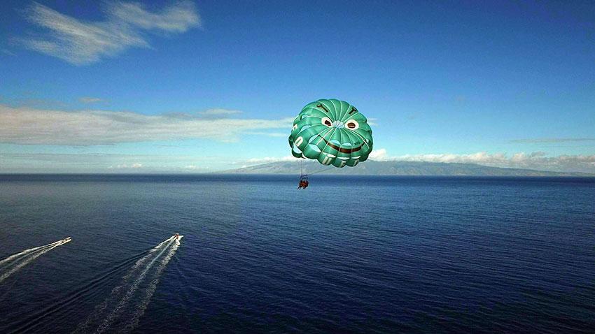parasailing at Ka-anapali Beach