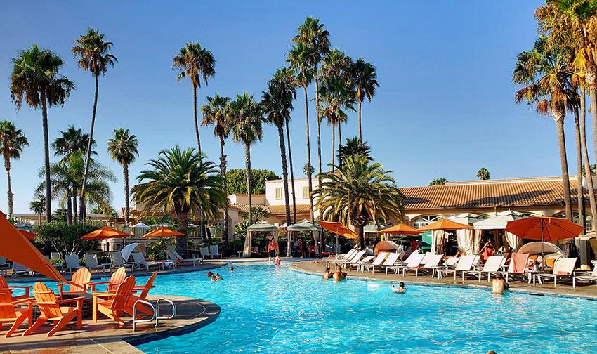 San Diego Mission Bay Resort pool area