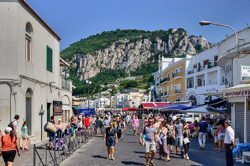 shops in Capri