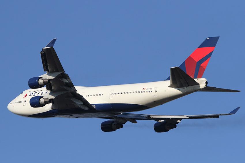 Delta airline plane