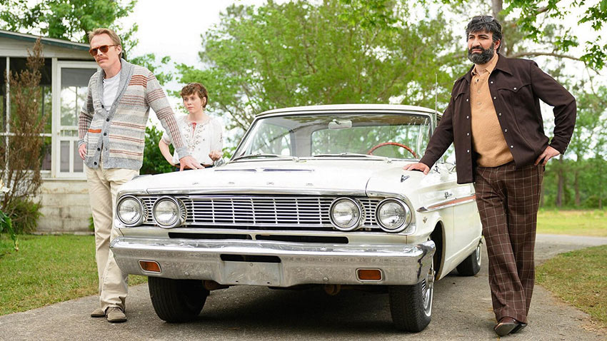 Paul Bettany, Sophia Lillis and Peter Macdiss preparing for a road trip