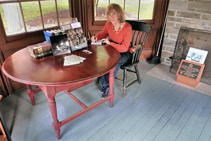 interior of Mark Twain's study