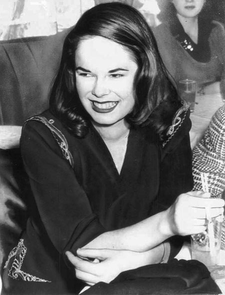 Oona O'Neill in 1943