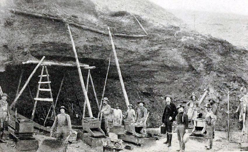 Klondike Mining, 1899