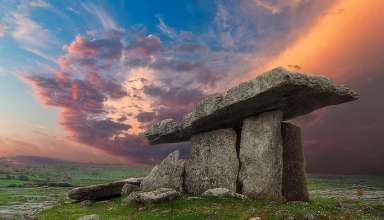 Poulnabrone portal tomb, The Burren, County Clare, Ireland