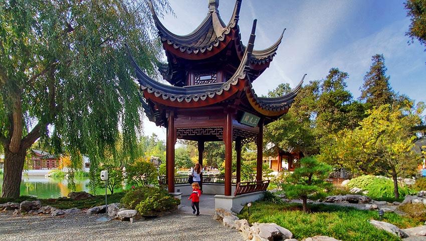 Chinese pagoda a garden, Liu Fang Yuan
